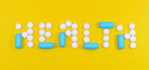 Des chachets qui dessinent le mot santé